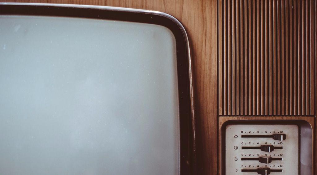 listening_tv